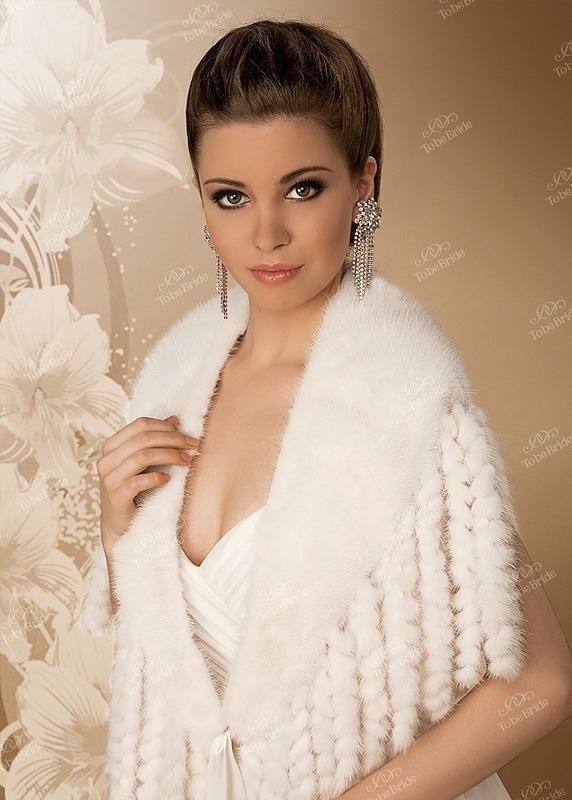 Меховая накидка из меха купить на плечи белая Wedding fur